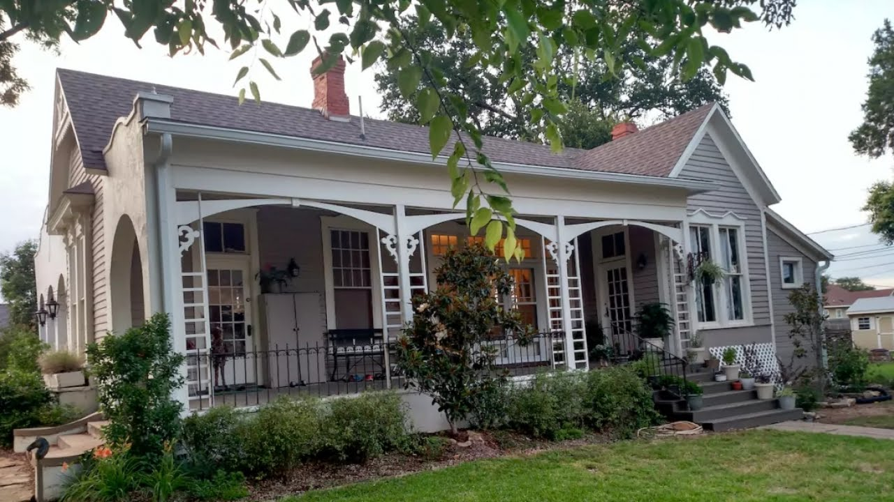 hgtv 39 fixer upper 39 homes appear on rental sites youtube. Black Bedroom Furniture Sets. Home Design Ideas