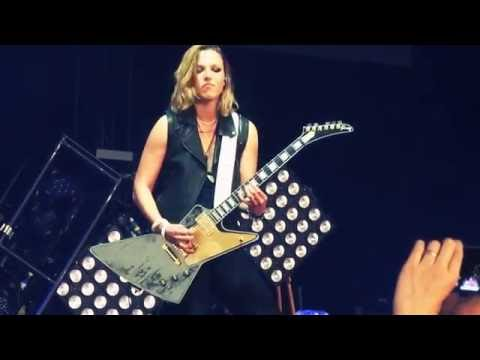 Halestorm - Love Bites (So Do I) Live in The Woodlands / Houston, Texas
