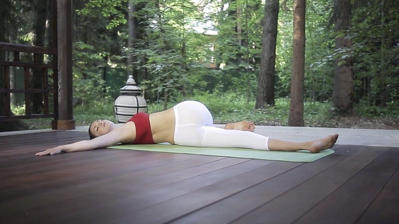 Поза скручивания спины лежа. Супта матсиендрасана – Позы йоги для начинающих.