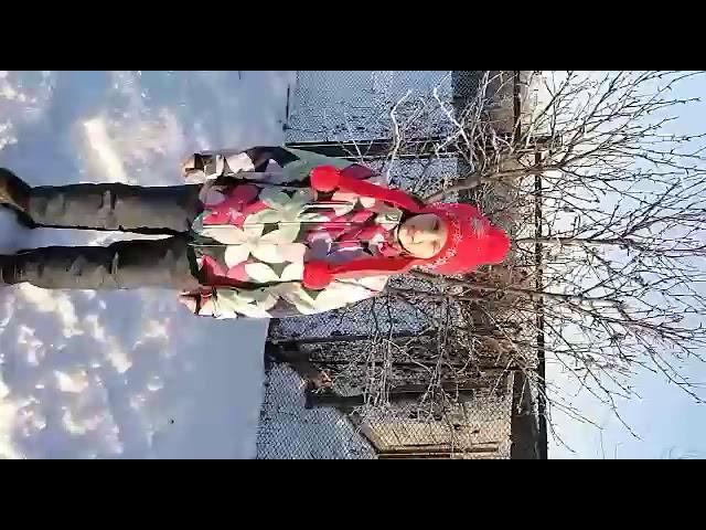 Изображение предпросмотра прочтения – ВарвараКизлова читает произведение «Поёт зима— аукает…» С.А.Есенина
