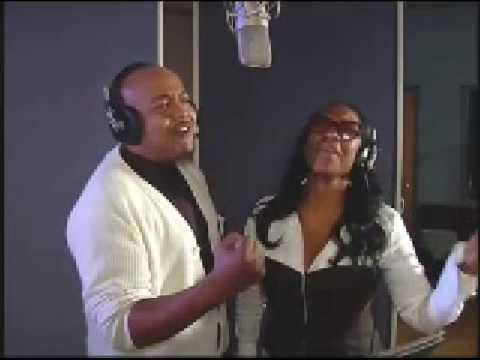 "Peabo Bryson and Regina Belle - ""Total Praise"""