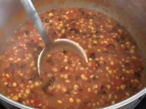 Meatless Three-Bean  Chili - Spicy Vegetarian Chili