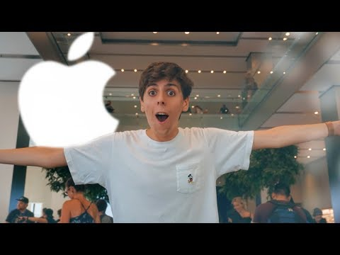 My favorite Apple Store is FINALLY open!