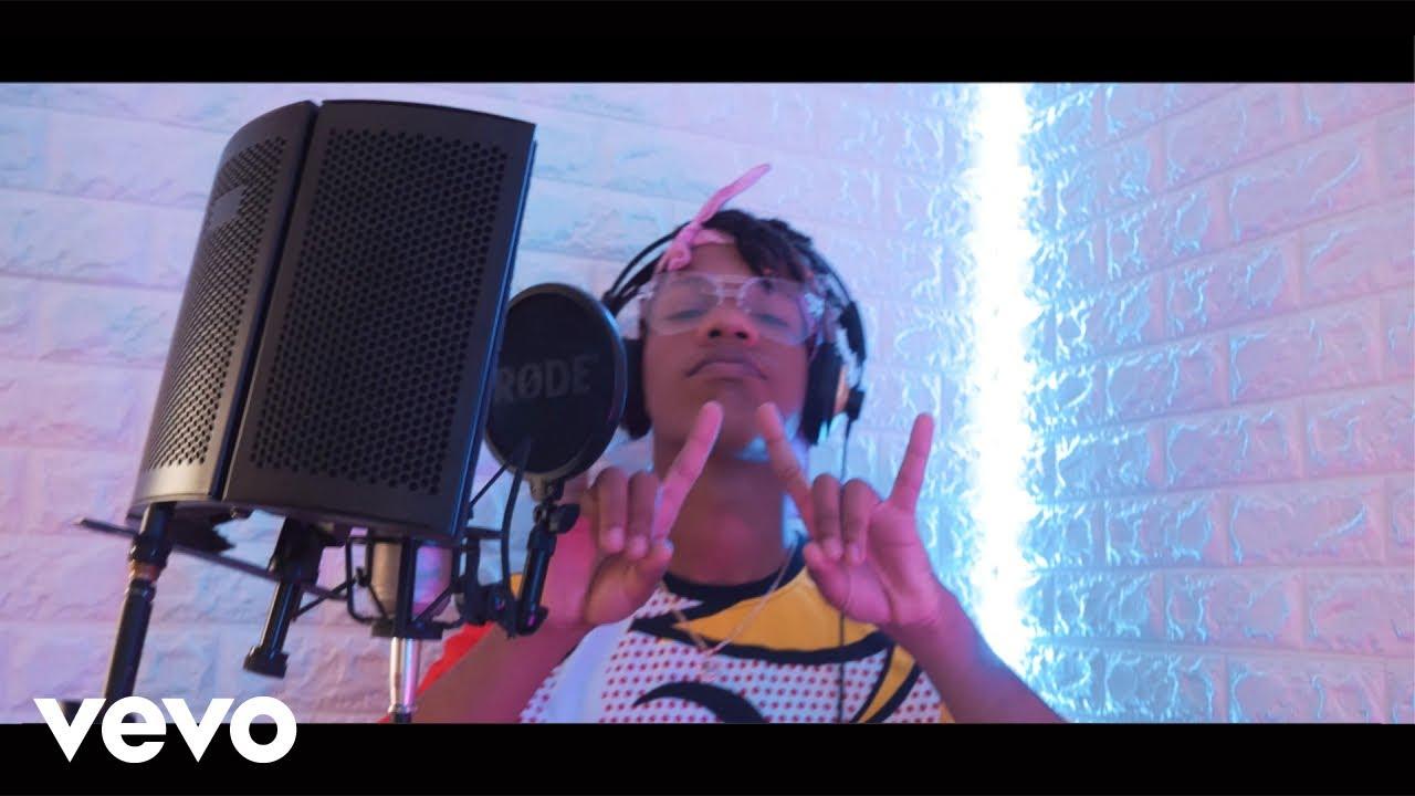 Download El Kamel - Hay que mantenerlo (Official Video)