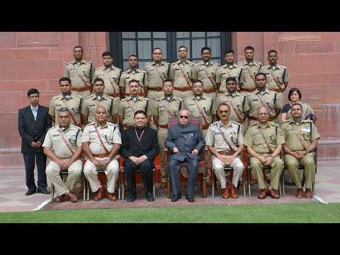 PROBATIONERS OF RAILWAY PROTECTION FORCE CALL ON THE PRESIDENT-14-06-17