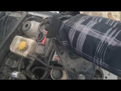 Замена ламп ближнего сфета H7 и габаритов Chevrolet Lacetti