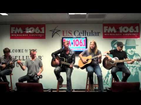 """Phoenix Stone performs """"Radio On"""""""