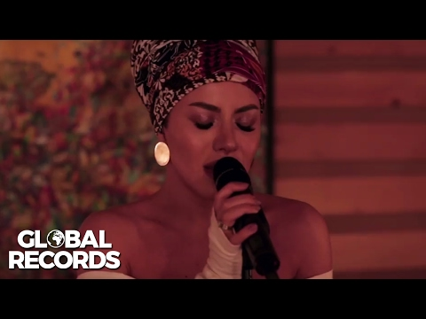 Nicoleta Nuca - Caught Out In The Rain | Studio Live Session