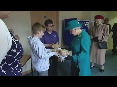 Queen given teddy bears for George and Charlotte