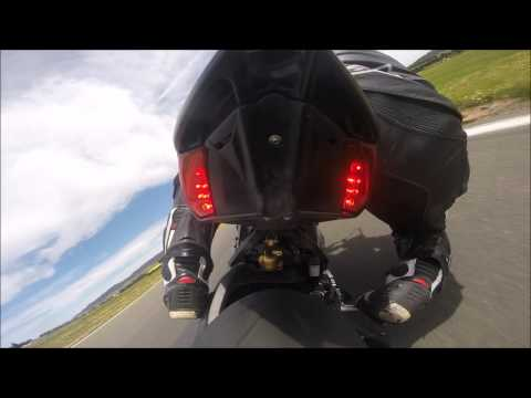 Glorious sounds of the MV Agusta dragtser 800 at wakefield park