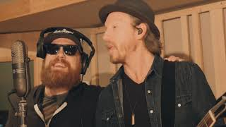 """Jamie McLean Band feat. Marc Broussard - """"Love The One You're With"""" (Live)"""