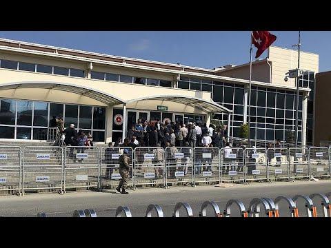 مجلس القضاء التركي سيفتح تحقيقا مع القضاة الذين برأوا رجل الأعمال والناشط عثمان كافالا…  - نشر قبل 7 ساعة