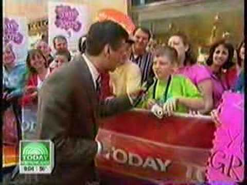 Hollywood Tans - Today Show 4-24-08 - Tan On The Street
