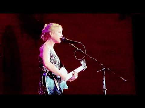 Kristin Hersh at the Old Church Portland Oregon March 25, 2018