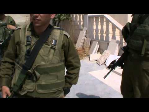 Occupation forces taking over palestinian house in Beni-Naim