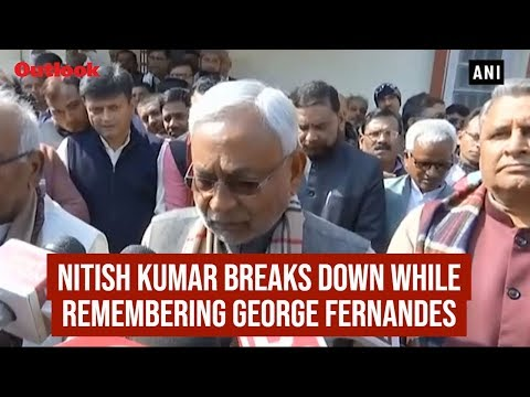 Nitish Kumar Breaks Down While Remembering George Fernandes