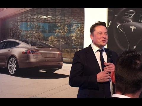 Elon Musk in Paris 2016