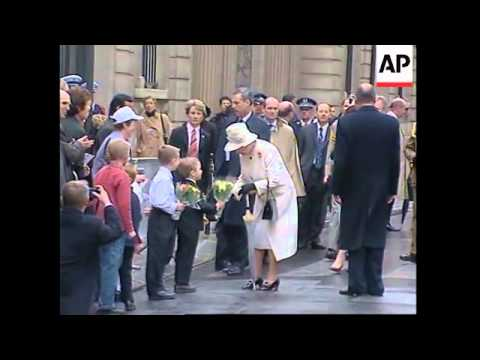 WRAP Queen Elizabeth II on state visit to France