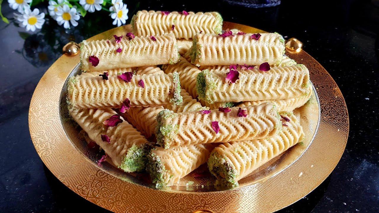 بالفيديو طريقة سهلة لتحضير حلوة الوردة بالمرشم Arabic Sweets Food Moroccan Kitchen