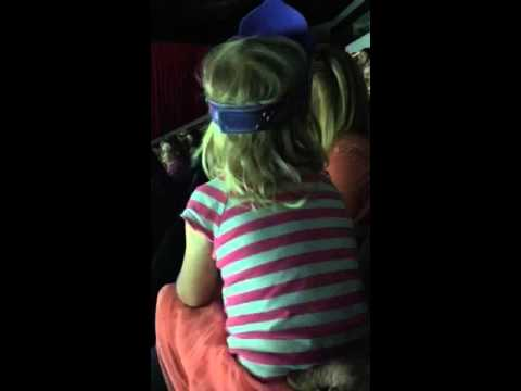 Kid abuses little sisterKaynak: YouTube · Süre: 16 saniye