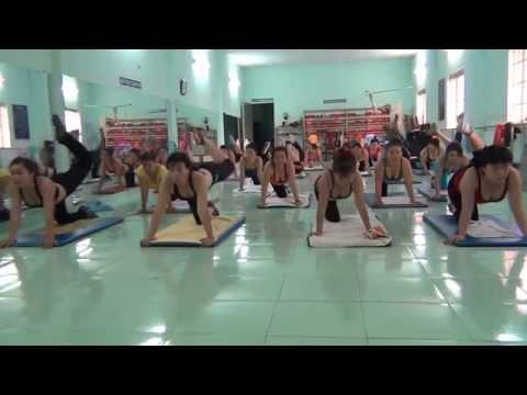 aerobics the duc tham my Trâm Anh - Bài mông hông đùi .
