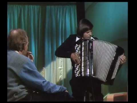10 Famous Accordion Players and their Accordion Performance