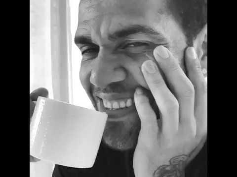 """Dani Alves, caffè come Clooney: """"What else?"""""""