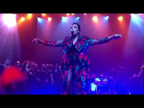 Demi Lovato - Tell Me You Love Me LIVE @ Simply Complicated World Premiere in LA (10/11/17)