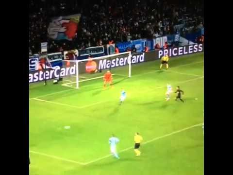 Di María anotó un doblete en la goleada del PSG en la Champions League