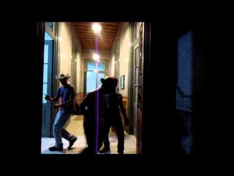 Bee Gees Versão Malue - Stayin' Alive