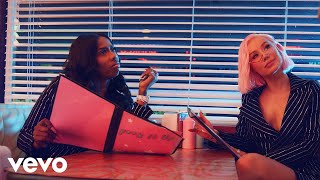 Iggy Azalea - Fuck It Up (Official Music Video) ft. Kash Doll