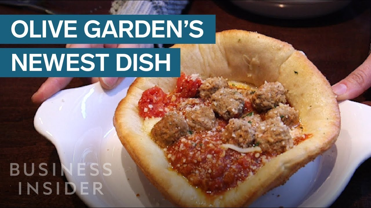 We Tried Olive Garden 39 S New Meatball Pizza Bowl Youtube