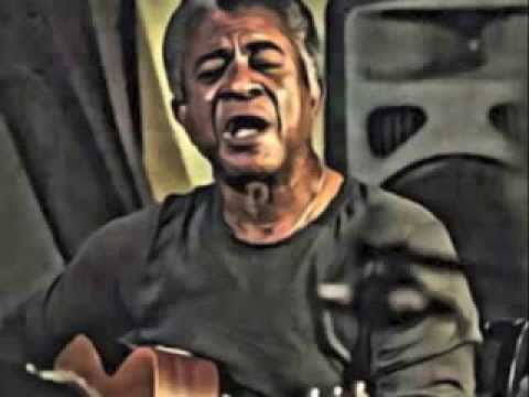 Tucker Smallwood   Bluesman:   Sweet Home Chicago