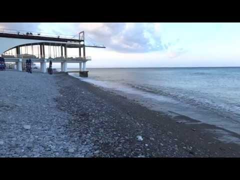 Пляж пансионата Красная гвоздика в Лазаревском. Lazarevskoe - SOCHI - RUSSIA