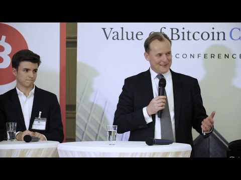 Panel Discussion - Does Bitcoin Outperform Gold?