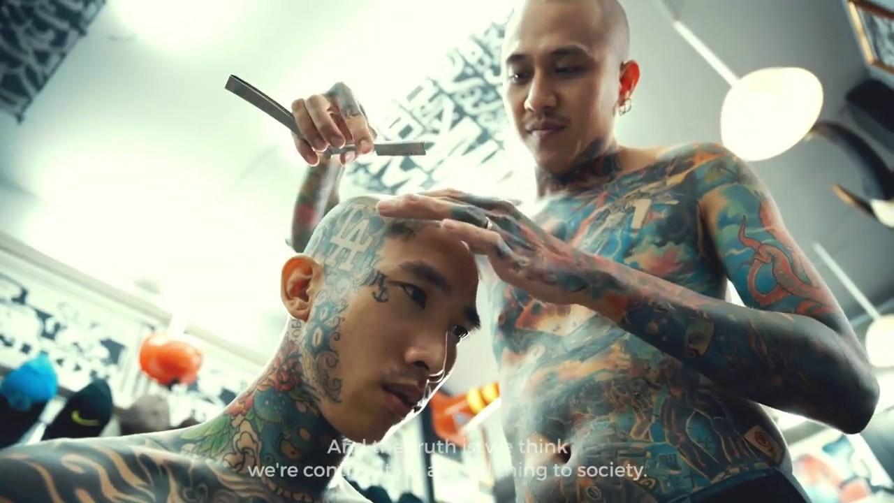 Tâm sự của những anh chàng hớt tóc đam mê xăm tại tiệm Liem Barber Shop [Part 2]