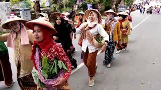 Barisan MIN 1 Kendari Karnaval HUT RI Ke 72 di Kota Kendari Selasa 15 Agustus 2017