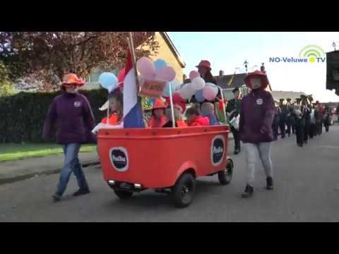 Optocht Oranjefeest in Hattem 2018
