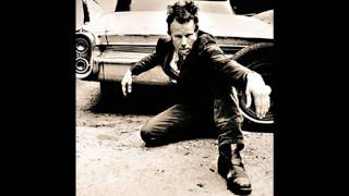 Tom Waits - 16 shells from a thirty-ought six (live in Austin)