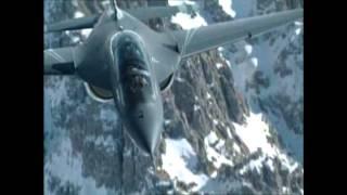 M-346 Alenia Aermacchi w powietrzu