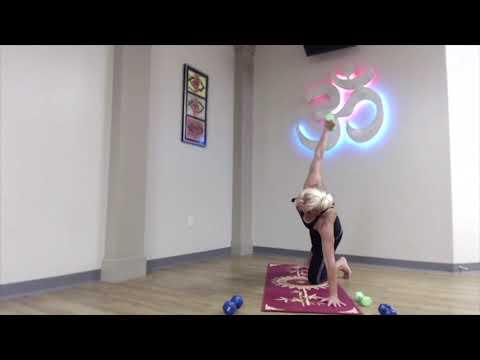 drishtiq-yoga-free-sample:-20-minute-yoga-with-hand-weights-with-amy-f