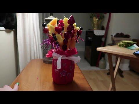 DIY Valentines Day Edible Arrangement