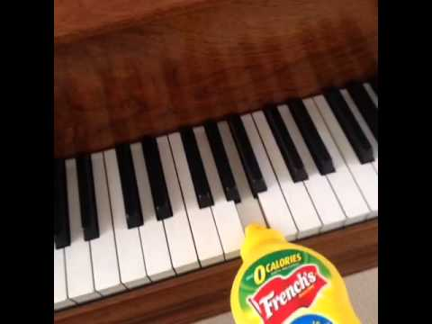 Popular Vines - Mustard on the beat