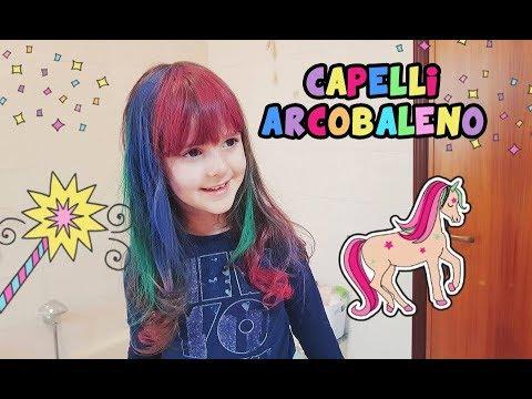 Capelli colorati arcobaleno per Alyssa