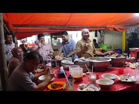 Best Indonesian Street Food - EXTREME GOAT ORGAN SOUP -  Sop Kaki Kambing!