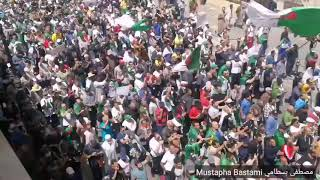 Pas de vote scandent les manifestants العاصمة المتظاهرون يهتفون والله ما نفوطي