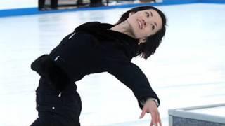 東京・六本木の東京ミッドタウンに2010年1月5日、屋外スケートリ...