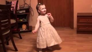 1 год и 3 месяца - первые уроки восточных танцев от папы