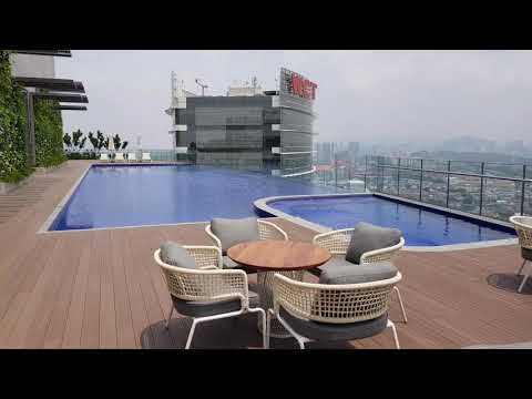 New World Hotel PJ : Rooftop Infinity Pool, PJ Bar & Grill