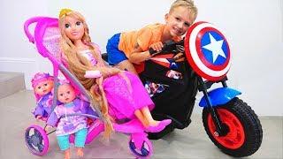 Superhelden Kids helfen Dolls und Mom